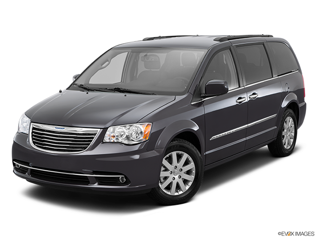 2015 Chrysler Town and Country Front angle view