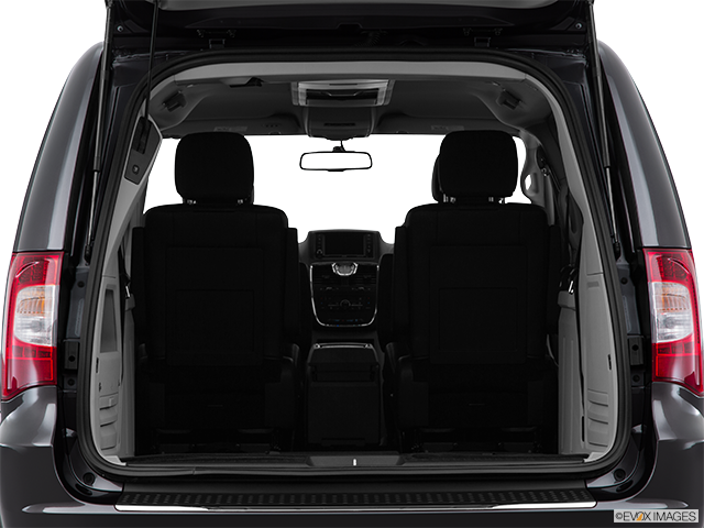 2015 Chrysler Town and Country Trunk open