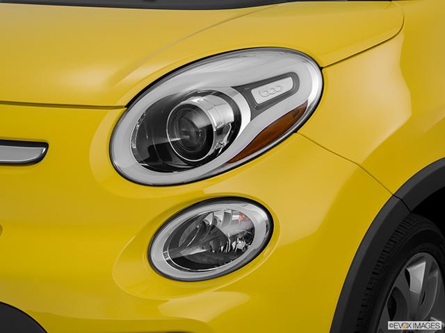 2015 FIAT 500L Drivers Side Headlight