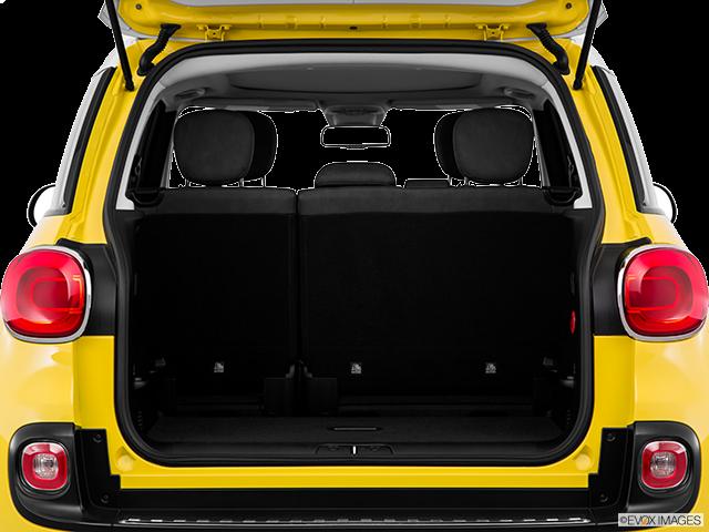 2015 FIAT 500L Trunk open
