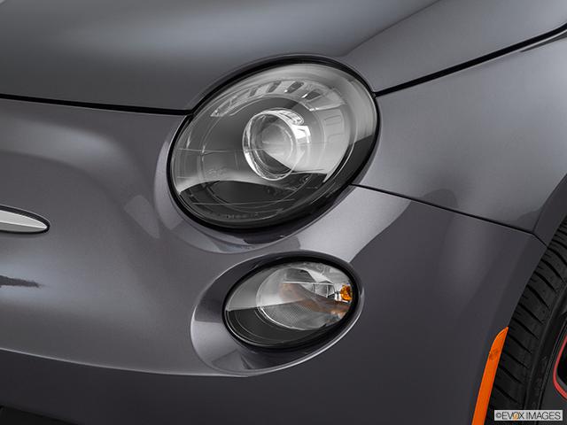2015 FIAT 500e Drivers Side Headlight