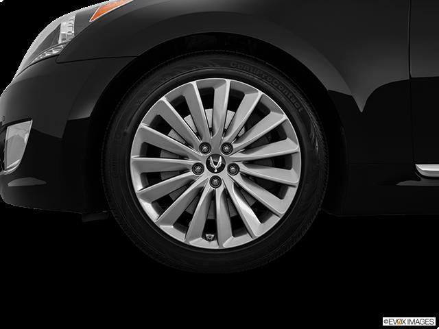 2015 Hyundai Equus Front Drivers side wheel at profile