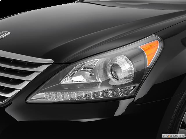 2015 Hyundai Equus Drivers Side Headlight