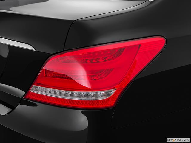 2015 Hyundai Equus Passenger Side Taillight