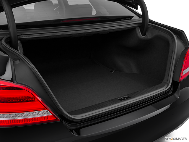 2015 Hyundai Equus Trunk open