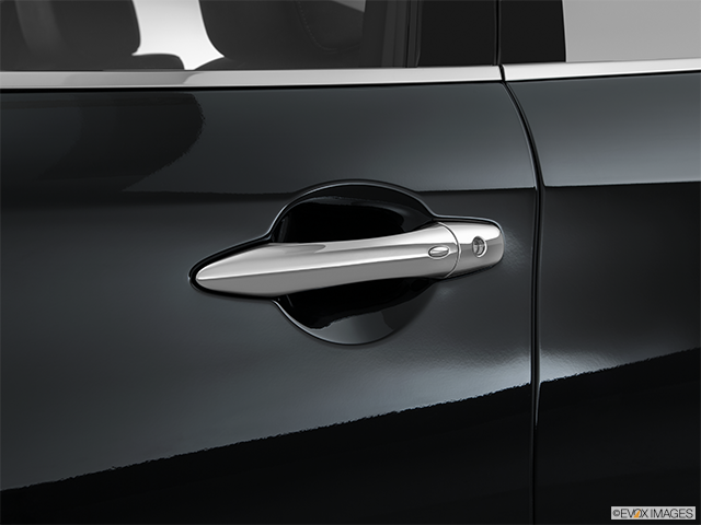 2015 INFINITI Q70 Drivers Side Door handle