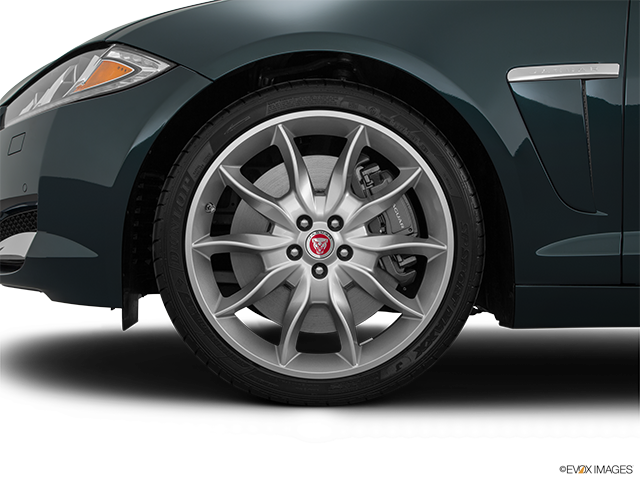 2015 Jaguar XF Front Drivers side wheel at profile