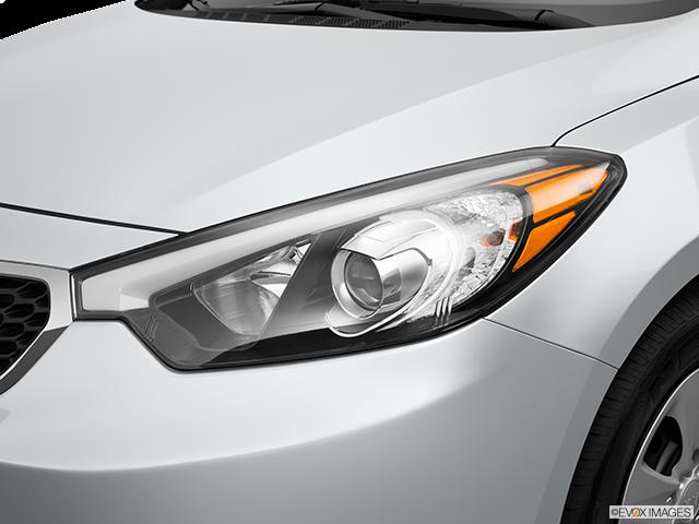 2015 Kia Forte Drivers Side Headlight