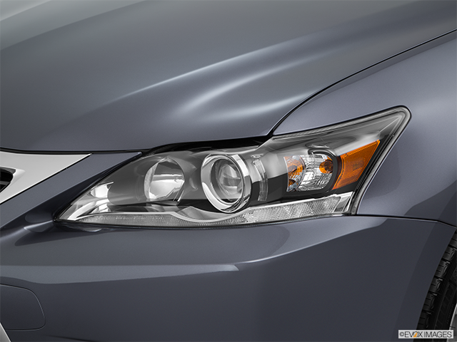 2015 Lexus CT 200h Drivers Side Headlight