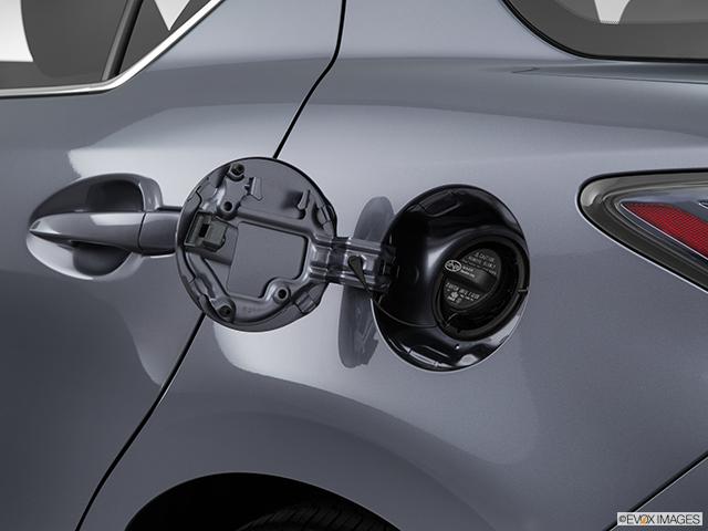 2015 Lexus CT 200h Gas cap open