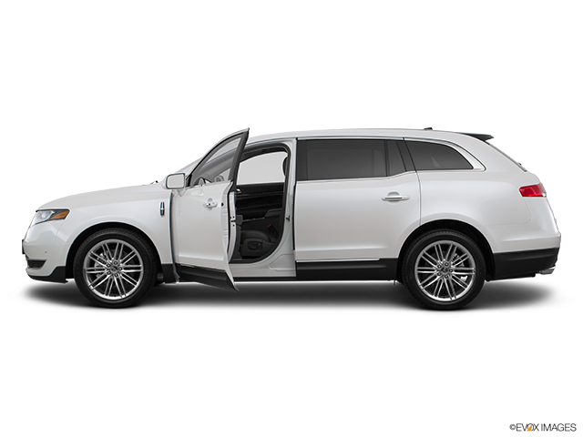 2015 Lincoln MKT Driver's side profile with drivers side door open