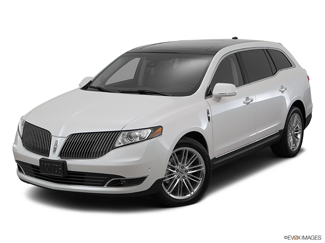 2015 Lincoln MKT Front angle view