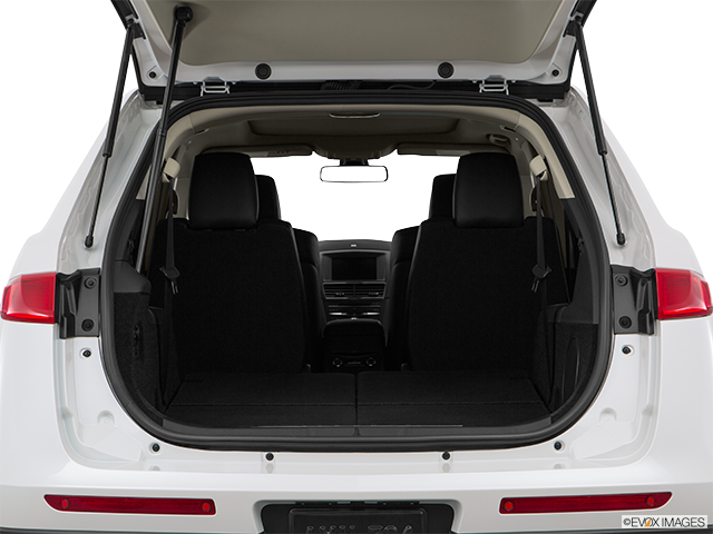 2015 Lincoln MKT Trunk open