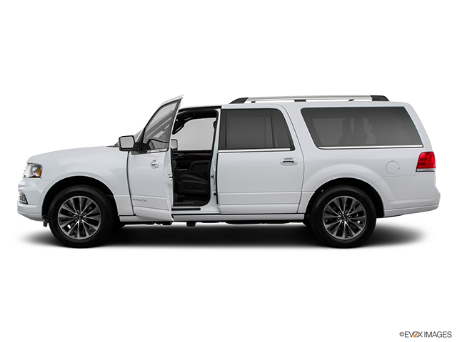 2015 Lincoln Navigator L Driver's side profile with drivers side door open