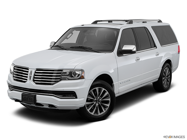 2015 Lincoln Navigator L Front angle view