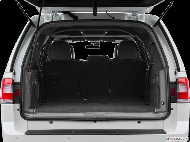 2015 Lincoln Navigator L Trunk open