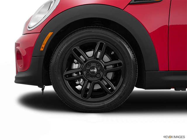 2015 MINI Roadster Front Drivers side wheel at profile