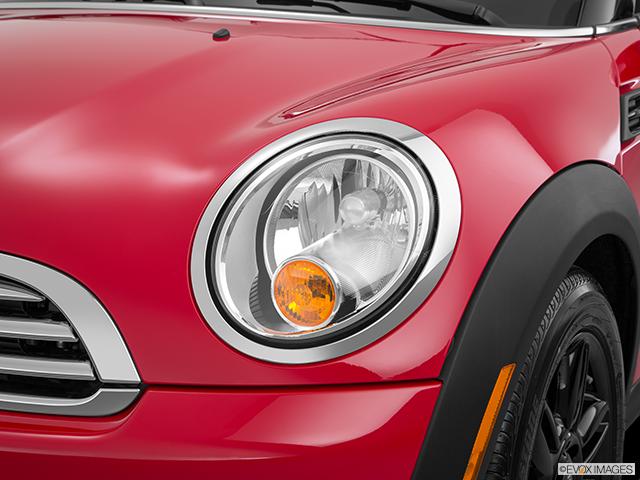 2015 MINI Roadster Drivers Side Headlight