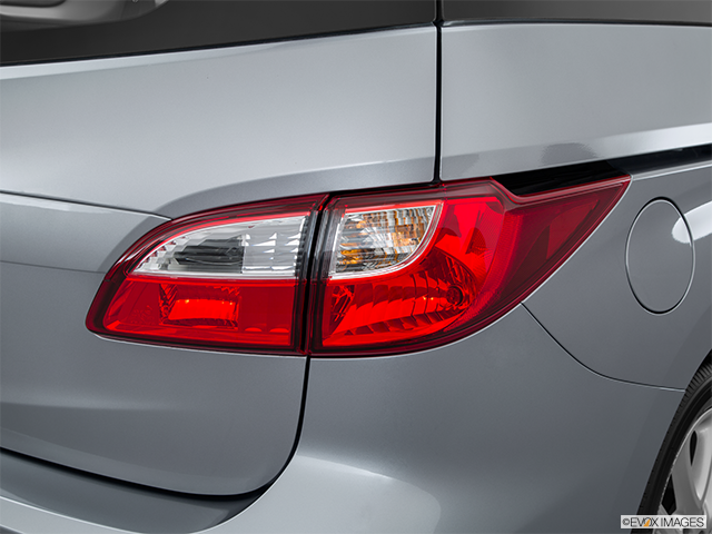 2015 Mazda Mazda5 Passenger Side Taillight