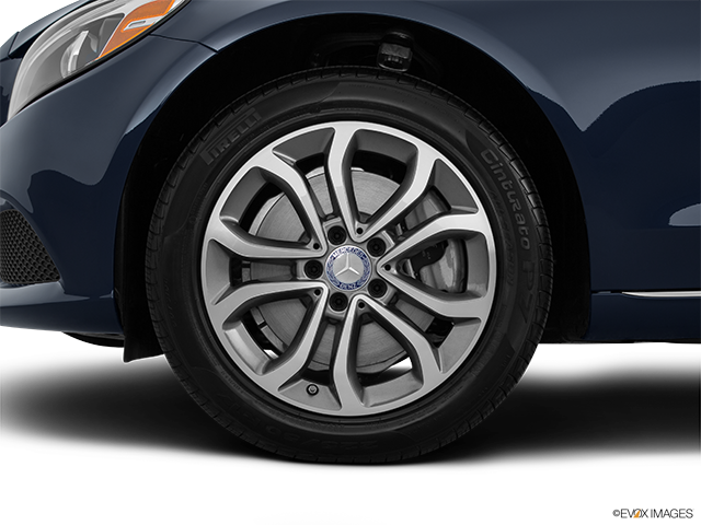 2015 Mercedes-Benz C-Class Front Drivers side wheel at profile