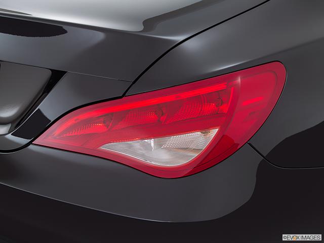 2015 Mercedes-Benz CLA Passenger Side Taillight