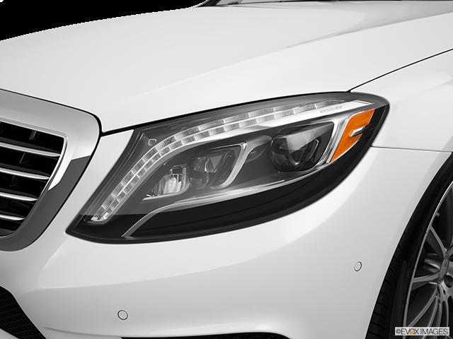 2015 Mercedes-Benz S-Class Drivers Side Headlight