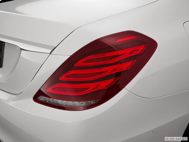 2015 Mercedes-Benz S-Class Passenger Side Taillight