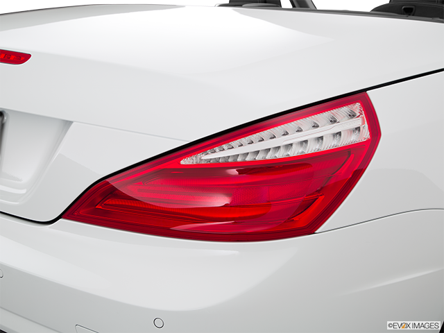 2015 Mercedes-Benz SL-Class Passenger Side Taillight