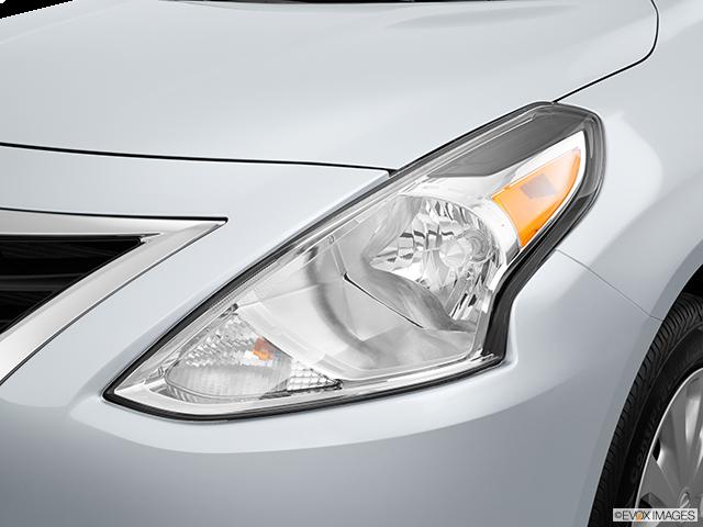 2015 Nissan Versa Drivers Side Headlight