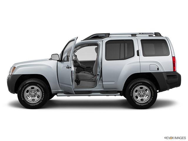 2015 Nissan Xterra Driver's side profile with drivers side door open