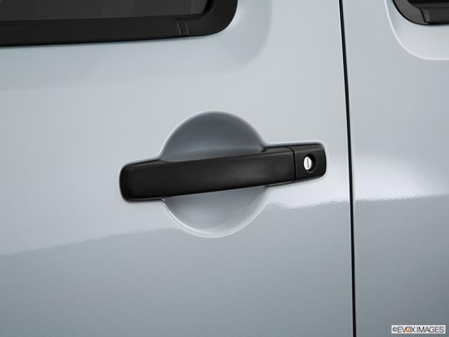 2015 Nissan Xterra Drivers Side Door handle