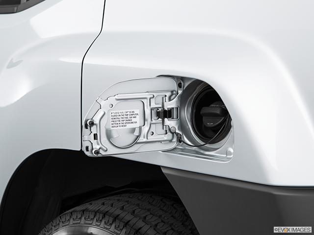 2015 Nissan Xterra Gas cap open