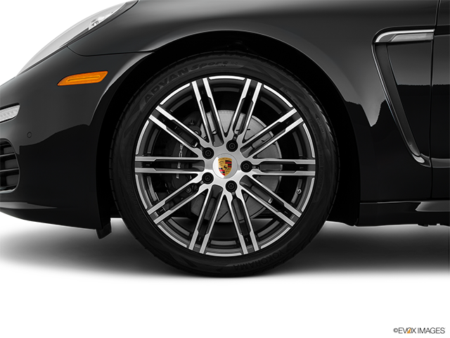 2015 Porsche Panamera Front Drivers side wheel at profile