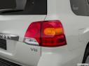 2015 Toyota Land Cruiser Passenger Side Taillight