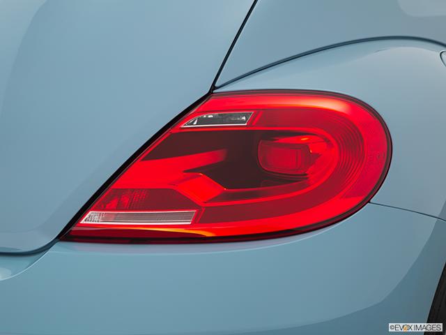 2015 Volkswagen Beetle Passenger Side Taillight