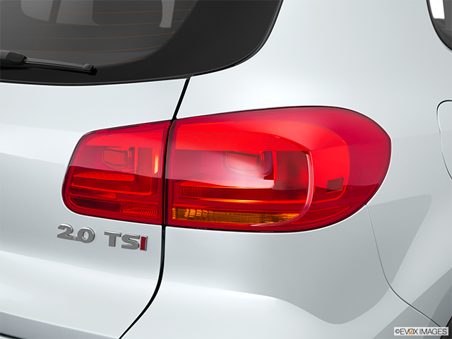2015 Volkswagen Tiguan Passenger Side Taillight