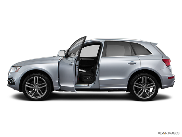 2016 Audi SQ5 Driver's side profile with drivers side door open