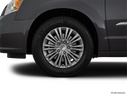 2016 Chrysler Town and Country Front Drivers side wheel at profile