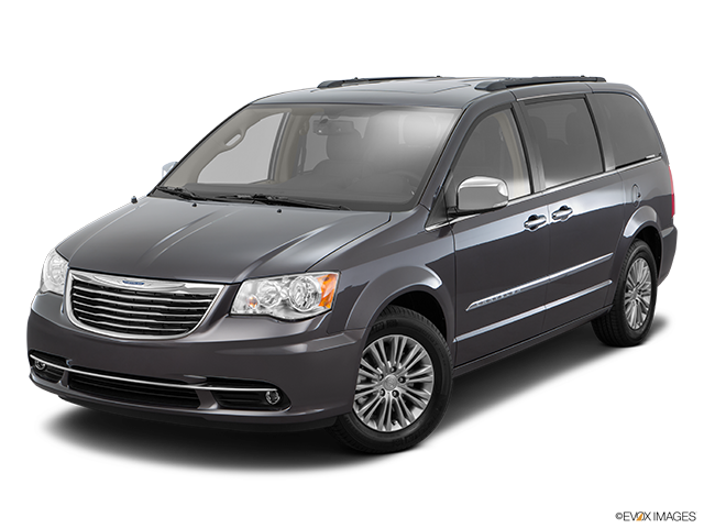 2016 Chrysler Town and Country Front angle view