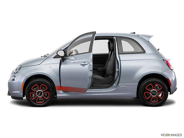 2016 FIAT 500e Driver's side profile with drivers side door open
