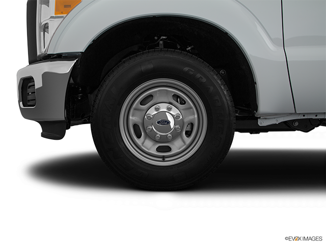 2016 Ford F-250 Super Duty Front Drivers side wheel at profile