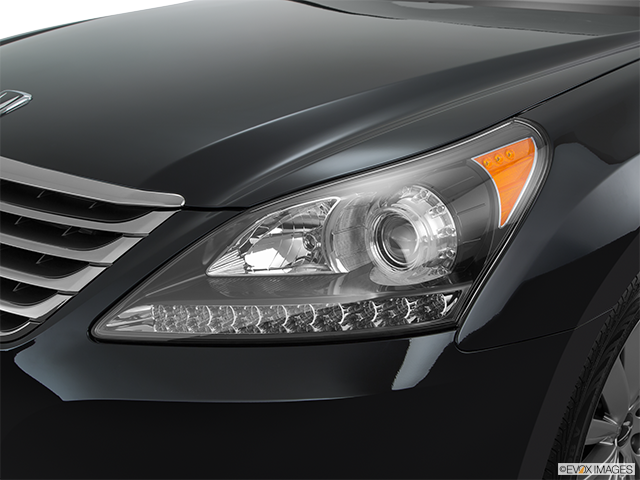 2016 Hyundai Equus Drivers Side Headlight