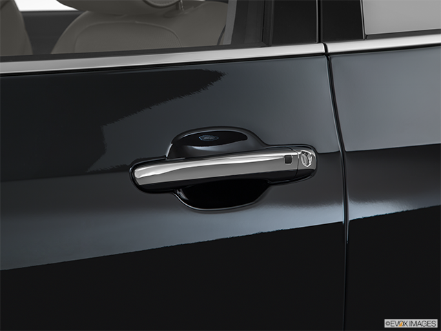 2016 Hyundai Equus Drivers Side Door handle