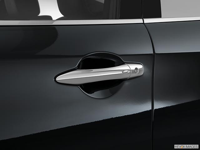 2016 INFINITI Q70 Drivers Side Door handle