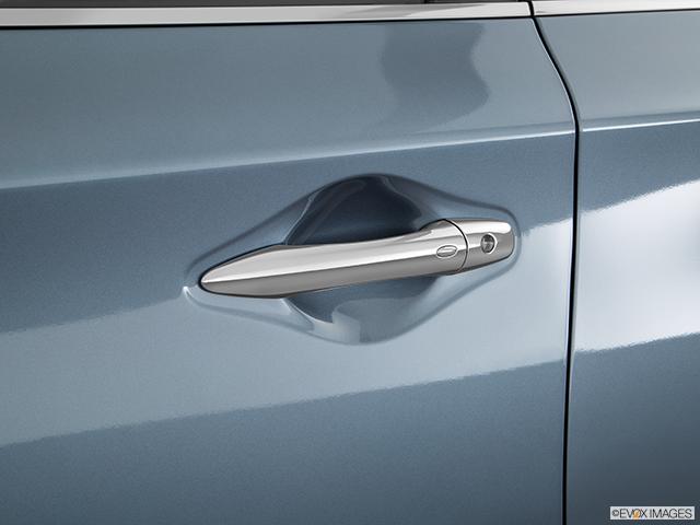 2016 INFINITI QX60 Drivers Side Door handle