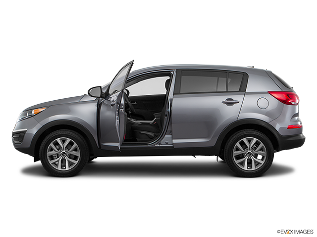 2016 Kia Sportage Driver's side profile with drivers side door open