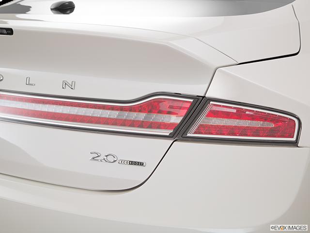 2016 Lincoln MKZ Passenger Side Taillight