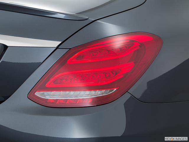 2016 Mercedes-Benz C-Class Passenger Side Taillight
