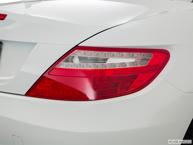 2016 Mercedes-Benz SLK Passenger Side Taillight