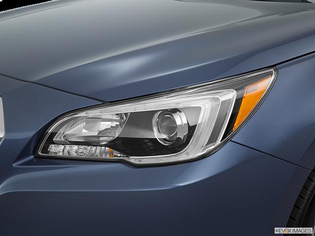2016 Subaru Legacy Drivers Side Headlight